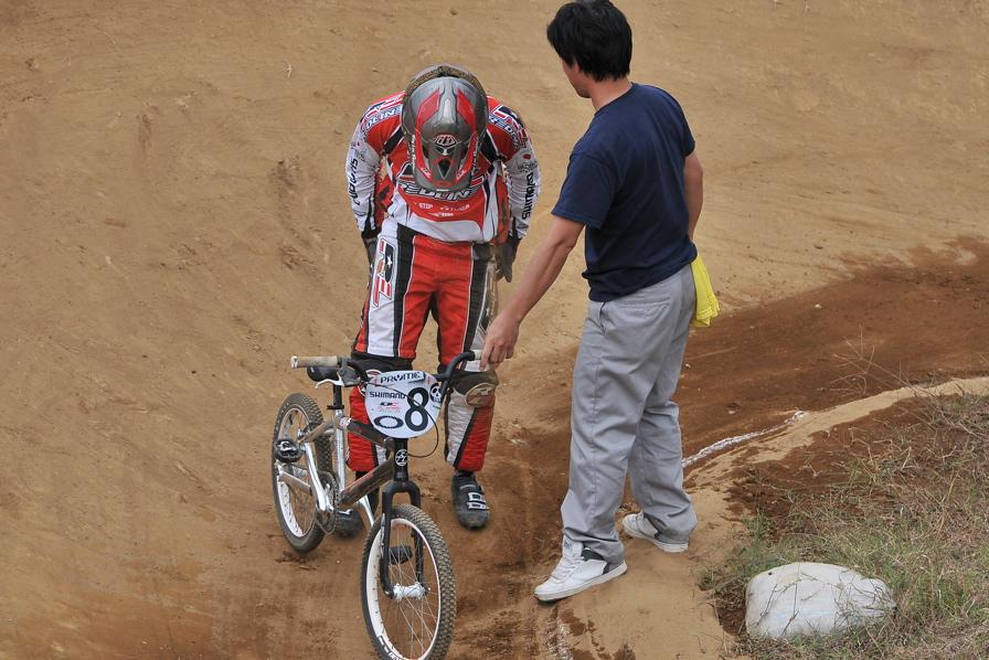 2008JOSF10月緑山定期戦VOL 1:BMXエリートクラス決勝_b0065730_2011998.jpg