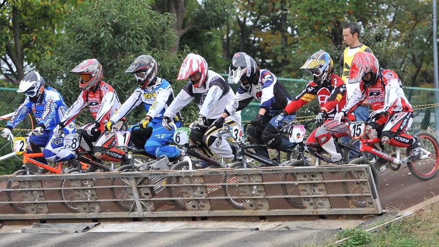 2008JOSF10月緑山定期戦VOL 1:BMXエリートクラス決勝_b0065730_2022440.jpg