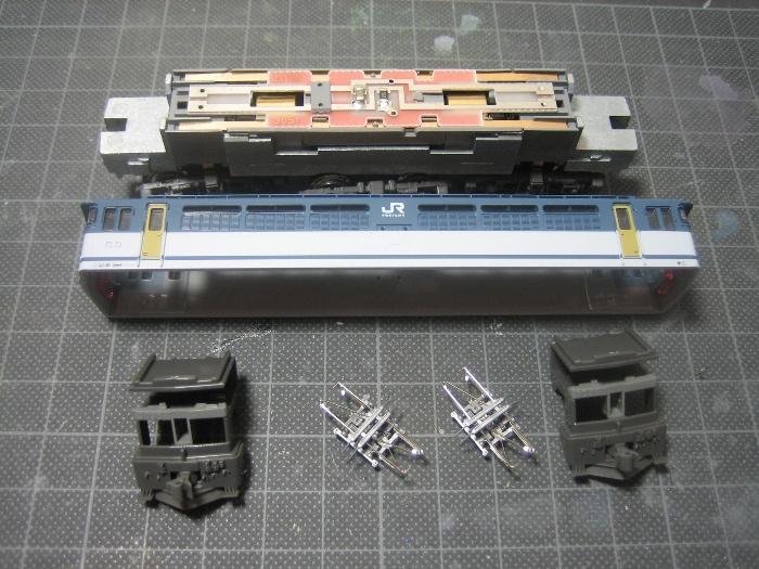 EF65-1000前期型 JRF2次更新車 その①_e0120143_22333476.jpg