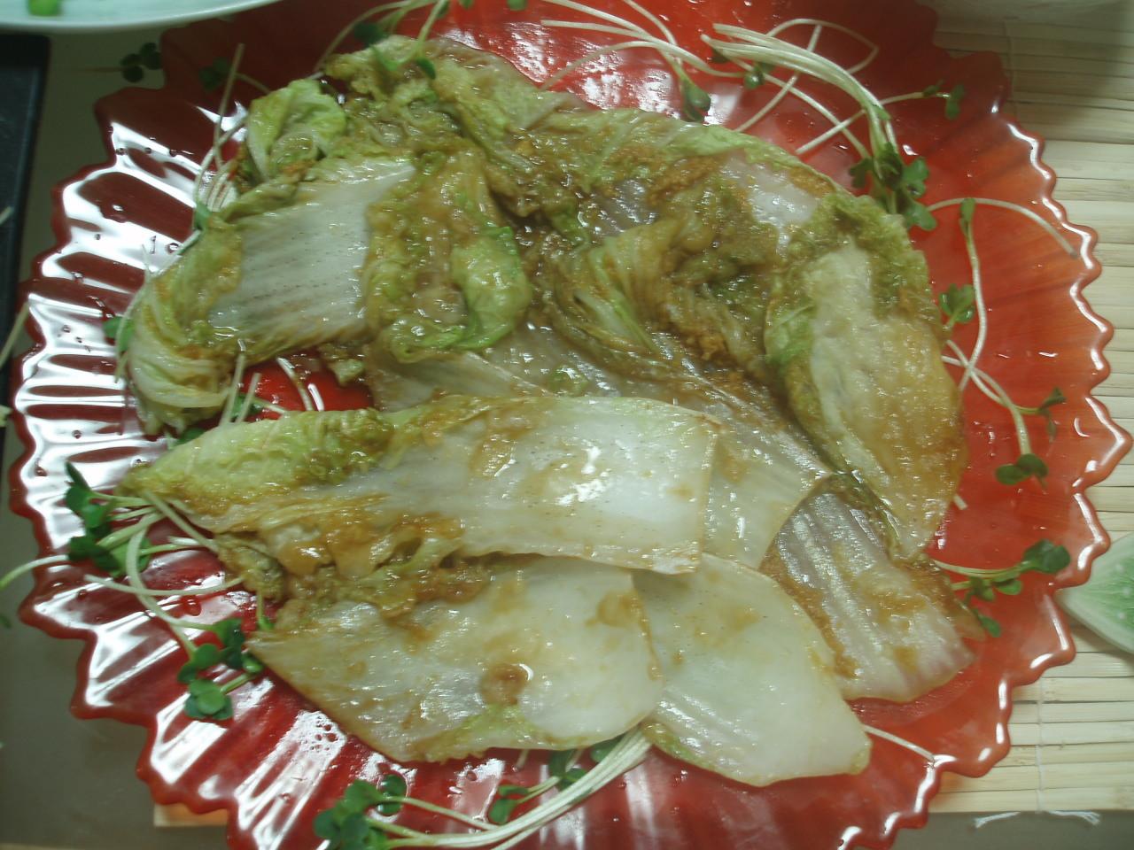 「こんがり白菜生姜焼き」と「セロリの塩きんぴら」と「生ハムトマト」♪_b0137453_8494792.jpg