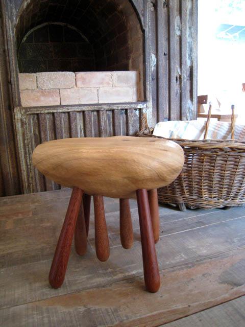 木の椅子 2点_f0171785_1635195.jpg
