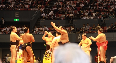 大相撲広島場所巡業_e0074251_1812329.jpg