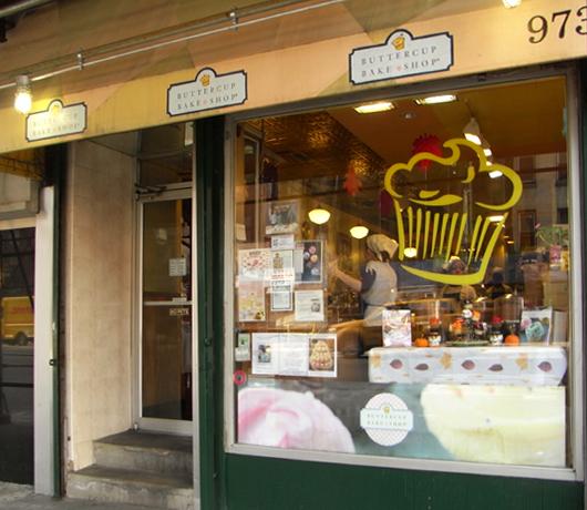 カップケーキで募金活動 Buttercup Bake Shop_b0007805_15382916.jpg