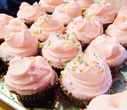 カップケーキで募金活動 Buttercup Bake Shop_b0007805_15424029.jpg