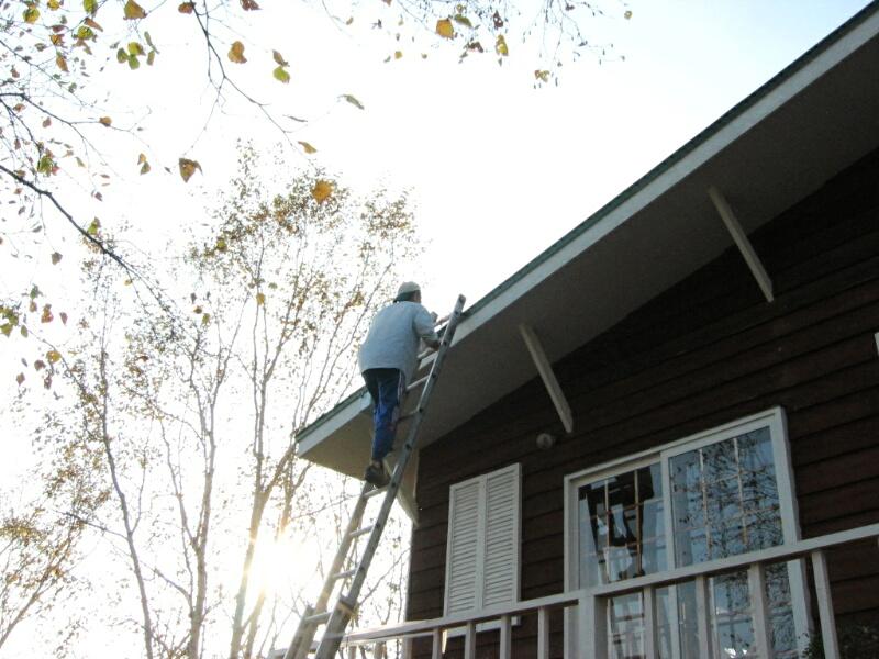 屋根のペンキ塗り!_d0070814_1602938.jpg
