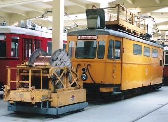 ウィーン市電事業用車の保存車_e0030537_126146.jpg