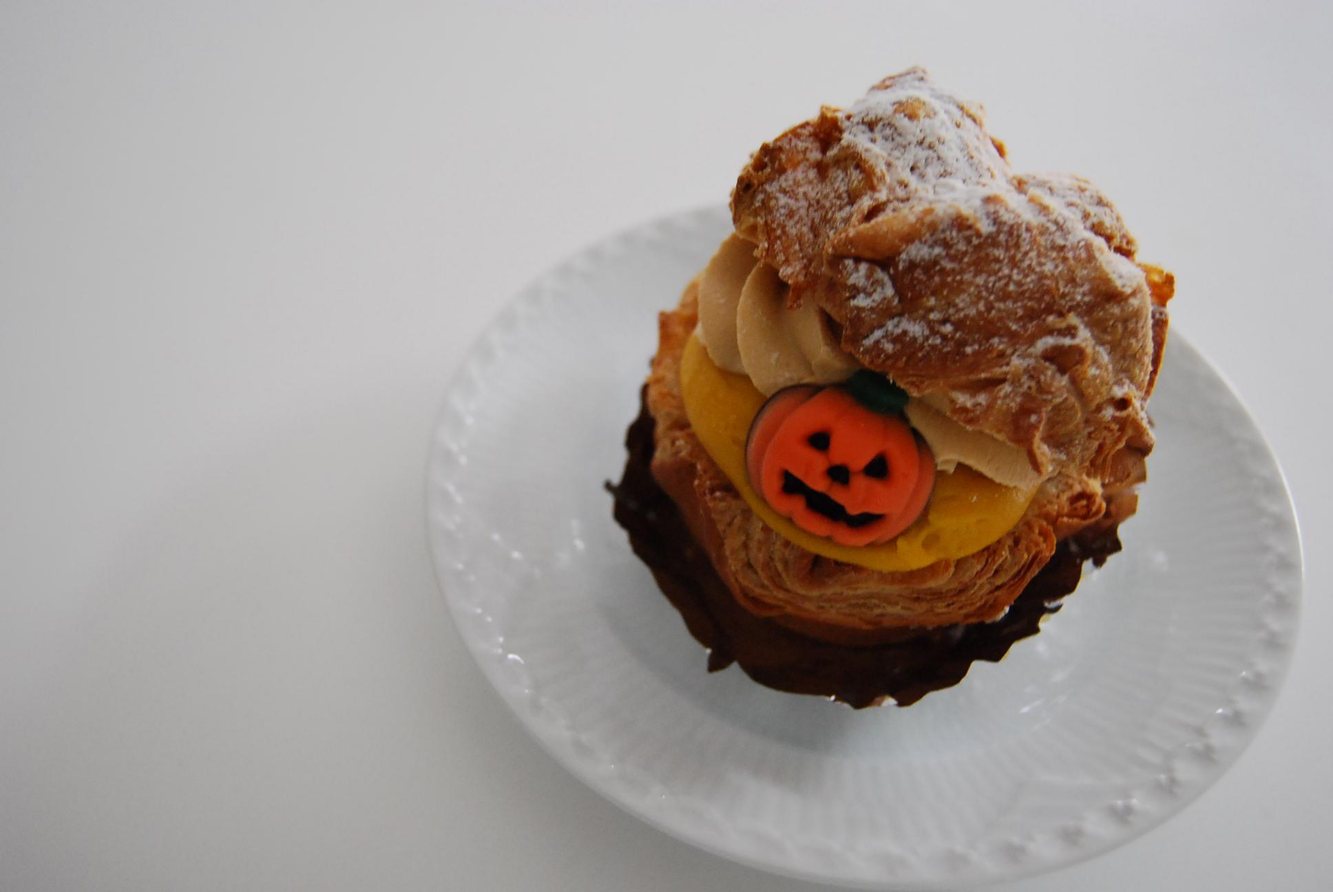 かぼちゃシュークリーム_e0142956_2174323.jpg