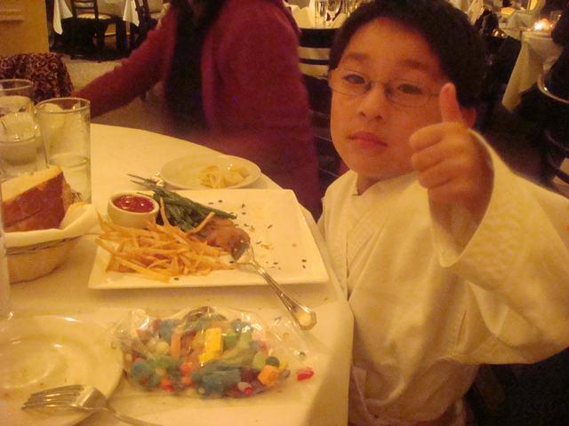 可愛い子たちとの夕食、_d0100880_922054.jpg