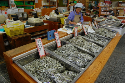 高松日帰り旅行(その3) 海産乾物専門店「丸一」_d0129786_13351590.jpg
