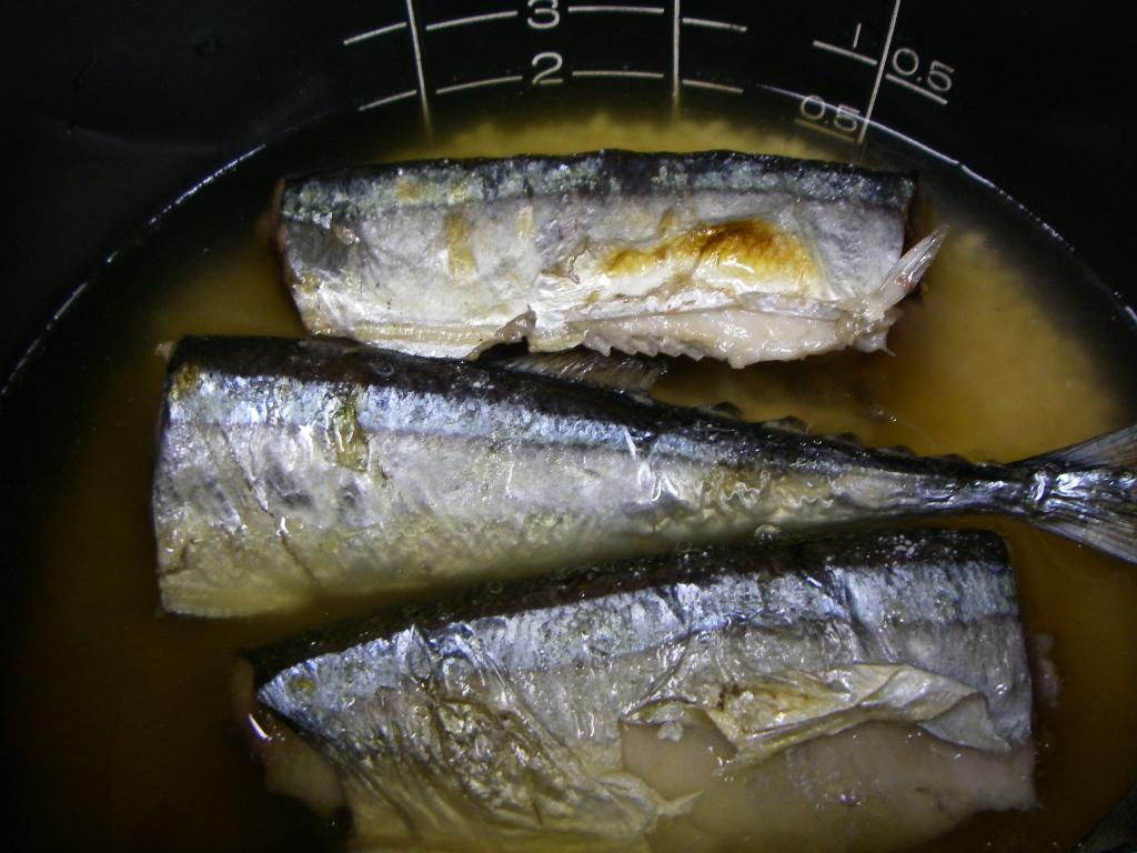 秋刀魚の炊き込みご飯を再現_f0015348_0173177.jpg