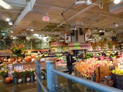 コールハーバーのお洒落なスーパーマーケット「URBAN FARE」_d0129786_13385646.jpg