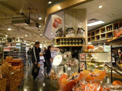 コールハーバーのお洒落なスーパーマーケット「URBAN FARE」_d0129786_13502047.jpg