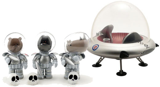 IWG Astro Krieg Figures and Flying Saucer (Classic Silver)_e0118156_23574663.jpg