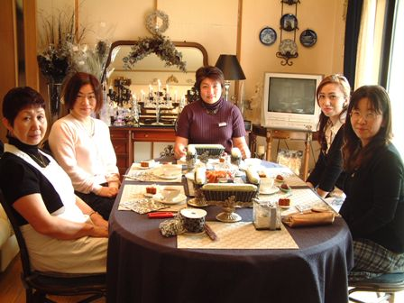 10月22日フラワーアレンジ講習会の様子♪_f0029571_0264168.jpg