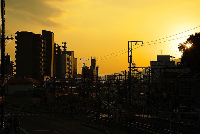 夕暮れの尾道駅_c0152379_21581811.jpg