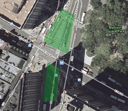 フラットアイアン・ビル前の車道がパブリック・スペース化_b0007805_1341828.jpg