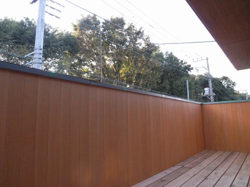 i-worksモデルハウスの外壁が仕上がりました。_c0178231_20121498.jpg