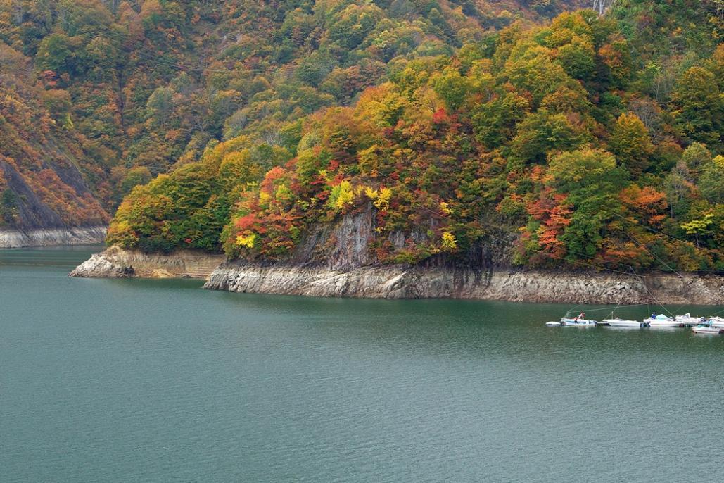 続、奥会津の紅葉を求めて・・・<8>風景 田子倉湖 ラスト_e0143883_1775343.jpg