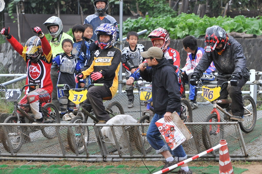 広島APSカップVOL 11 :オープン13才以上クラス、MTBクラス決勝_b0065730_2227793.jpg