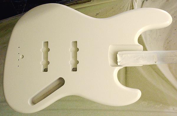 店頭販売用「Modern J-Bass」の着色が完了!_e0053731_2028503.jpg