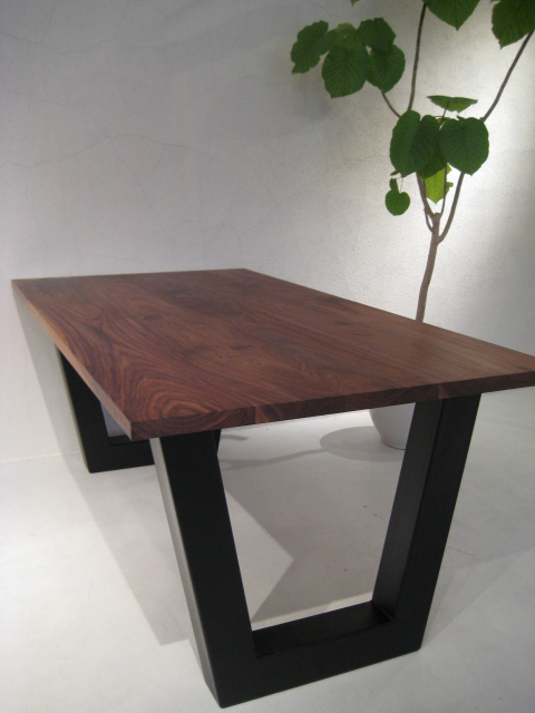 V DINING TABLE_c0146581_13573465.jpg