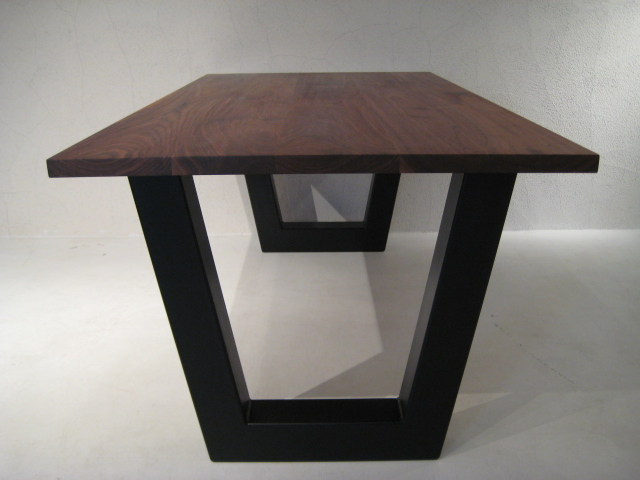V DINING TABLE_c0146581_1357508.jpg