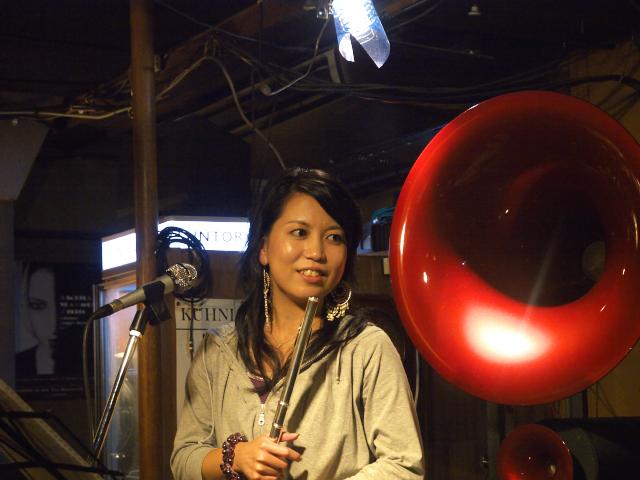 西仲美咲のTokyo Cafe Live _f0024992_9532190.jpg