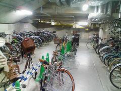 六本木ヒルズ自転車駐車場内観