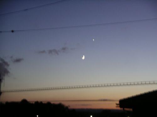 三日月と金星。_c0107612_21364184.jpg