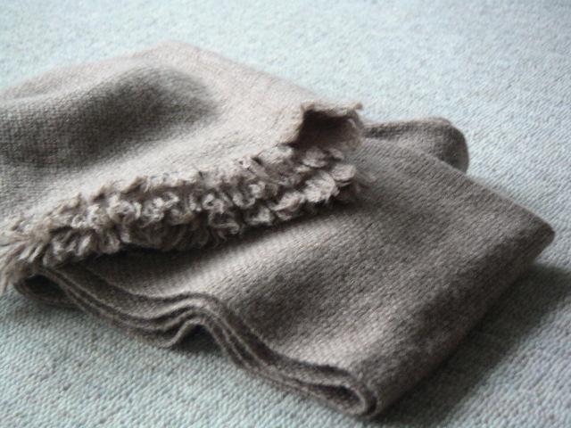 ばつぐんの肌触り、心地よい暖かさにうっとり 【Tissage 手織りカシミアマフラー】_e0146912_212094.jpg