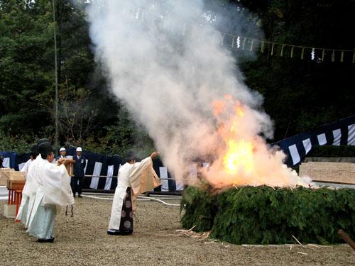 伏見稲荷-火焚き祭_e0048413_20195599.jpg