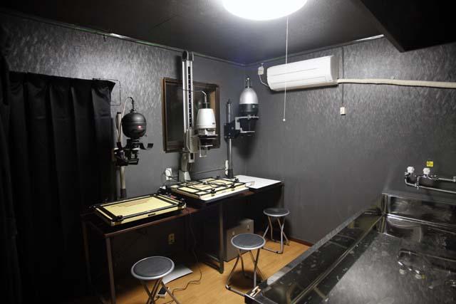 レンタル暗室の状態(ほぼ完成編)_e0158242_2262710.jpg