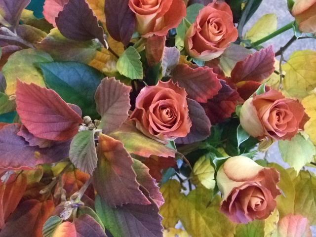 オークリーフ(白花万作とレオニダスの花束)_f0049672_13471047.jpg