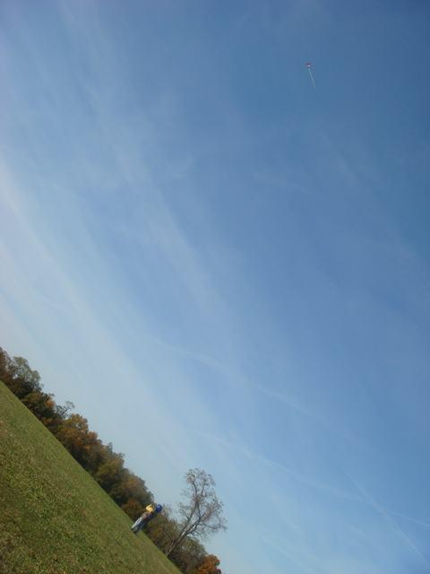 まず、風があるから凧揚げから・・・、_d0100880_6431199.jpg