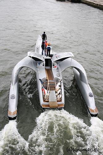 セーヌ川のプライベートクルーズ…を、見送る_c0024345_1021378.jpg