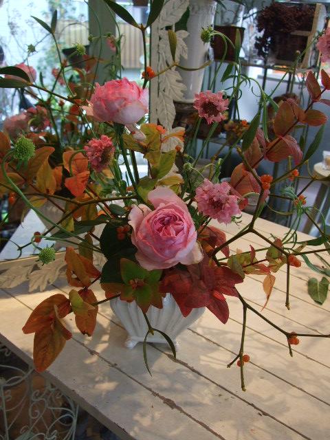 オークリーフ花の教室(長尾さんと佐竹さんの作品)_f0049672_1613772.jpg
