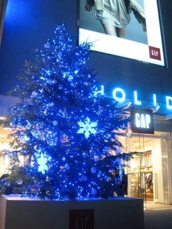 ニコライバーグマンのクリスマスツリー+表参道界隈のクリスマスツリー_e0091712_3171713.jpg