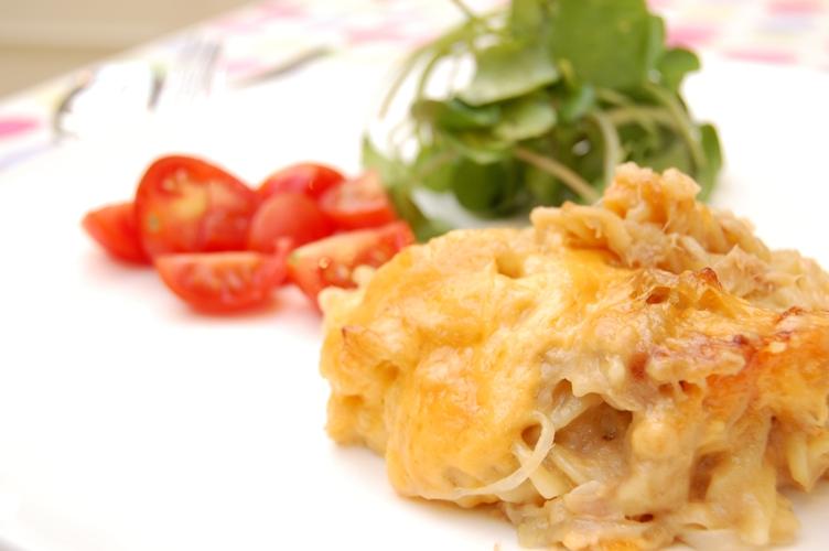 びっくりおいしい☆ツナとキャベツの味噌チーズグラタン_d0104926_2404392.jpg