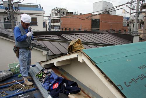 屋根張り_f0192906_16101924.jpg