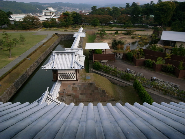 金沢まで お城のあたり_e0082981_2223858.jpg