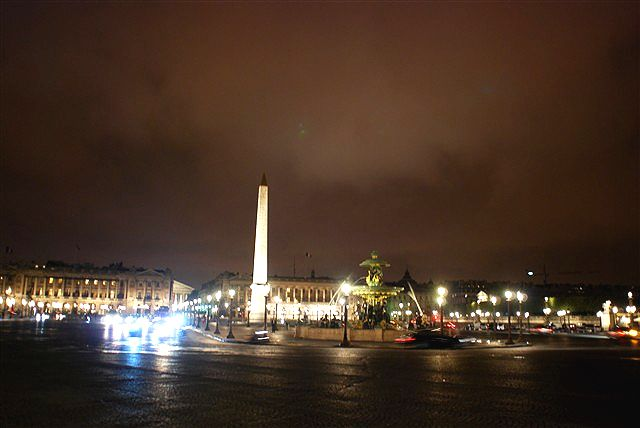 曇天の夜空の下、浮かび上がる歴史の息吹_c0116714_555885.jpg