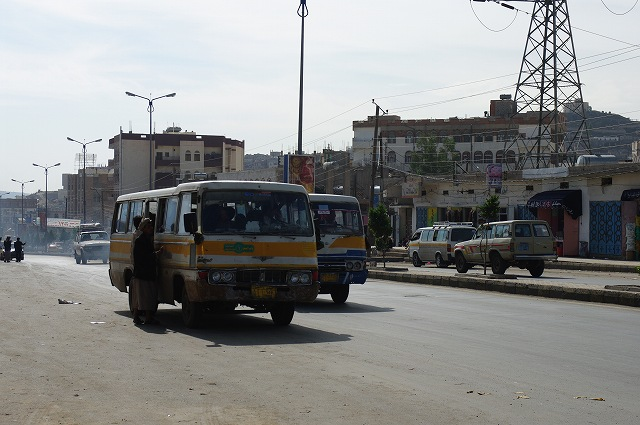 サナア郊外へ  イエメン・サナア12_b0112443_22184736.jpg