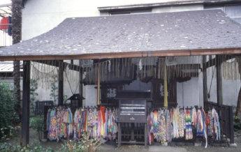 【縁切り】 橋姫神社_a0045381_2142347.jpg