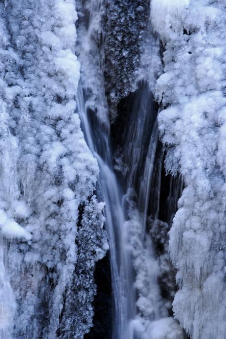 袋田の滝 紅葉<4> 2008年11月15日_e0143883_18411177.jpg