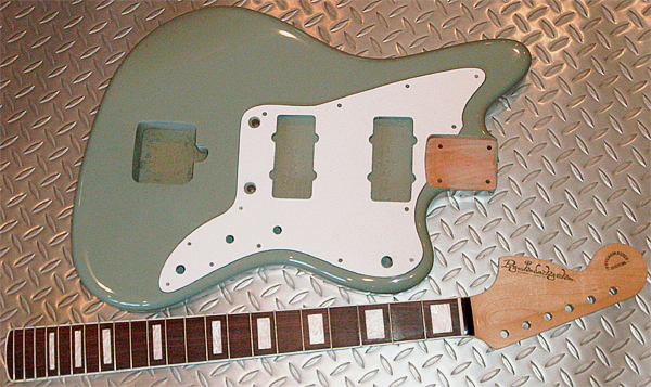 Keen Green色のPsychomaster Customの塗装が完了!_e0053731_20245814.jpg