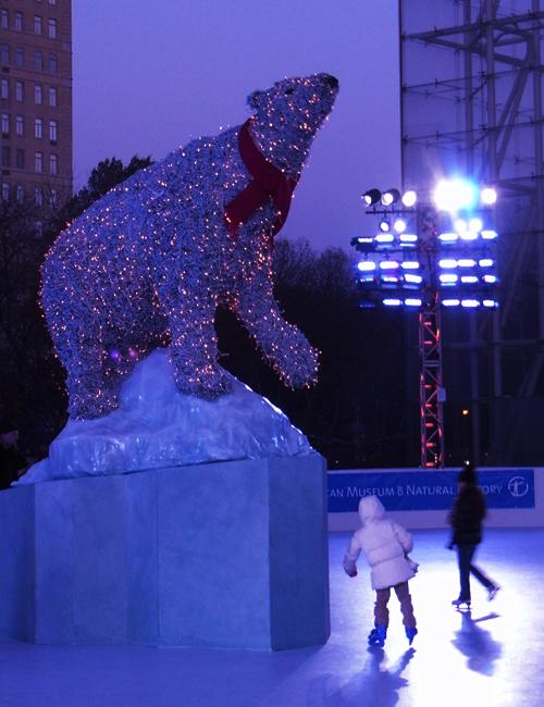 自然史博物館にスケートリンク登場 The Polar Rink_b0007805_14562342.jpg