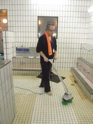 神田温泉 掃除する。_c0103137_2123051.jpg