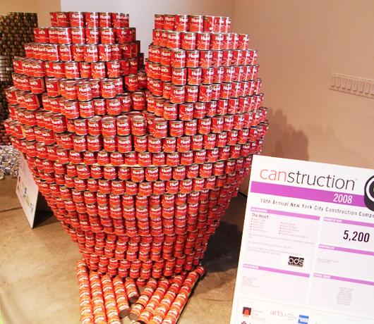 ユニークなアート・イベント Canstruction(カンストラクション:缶建築)_b0007805_2171851.jpg
