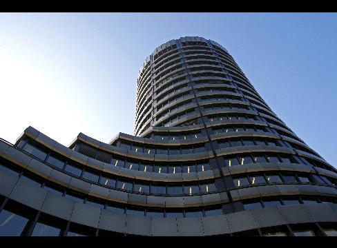 ロスチャイルド家の最初の「世界銀行」である「国際決済銀行(BIS)」 by A・ヒッチコック_c0139575_66975.jpg