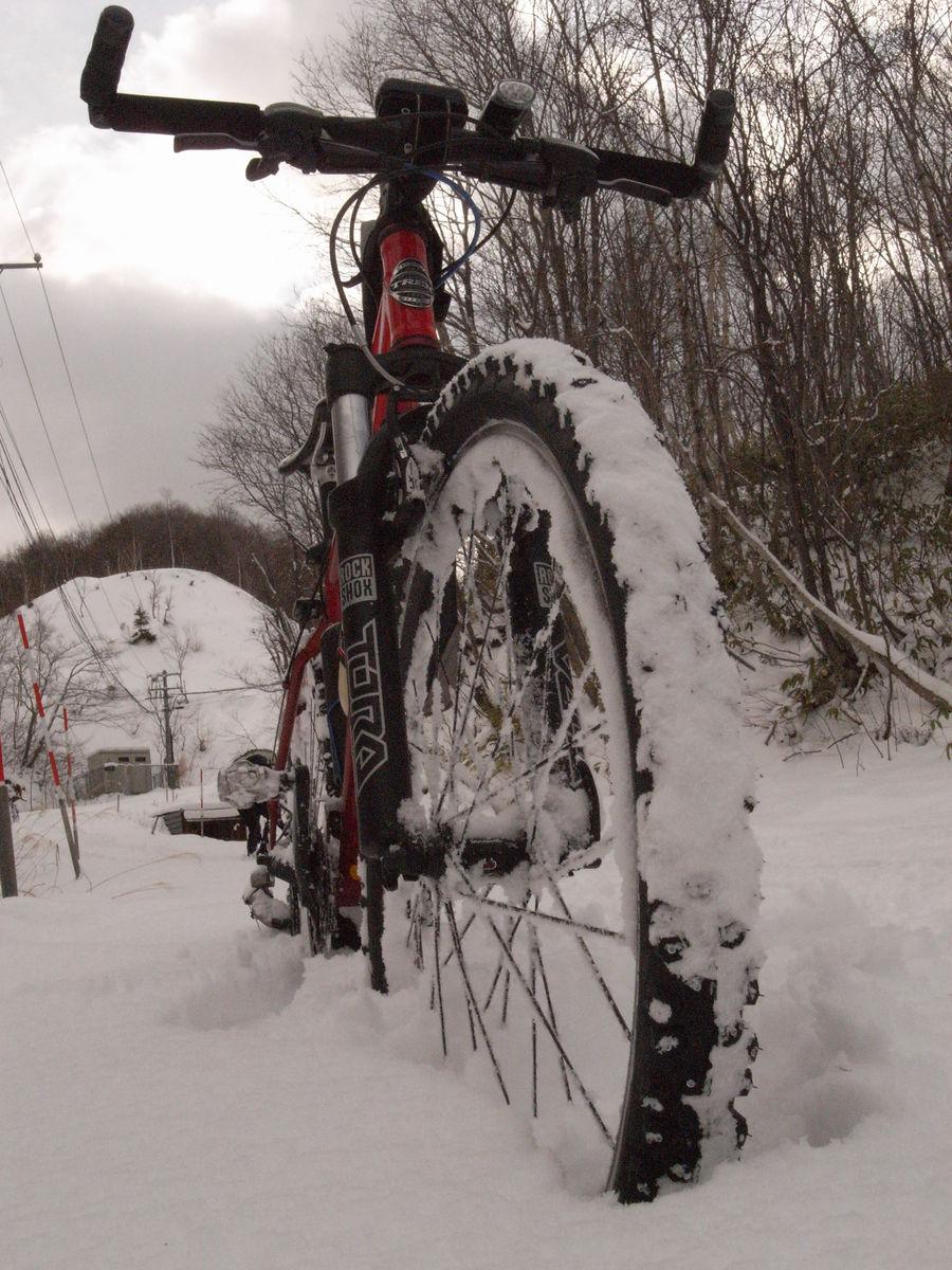 MTBで雪山_f0114954_18444892.jpg